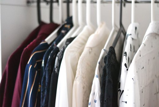 Objectif dressing minimaliste : acheter moins